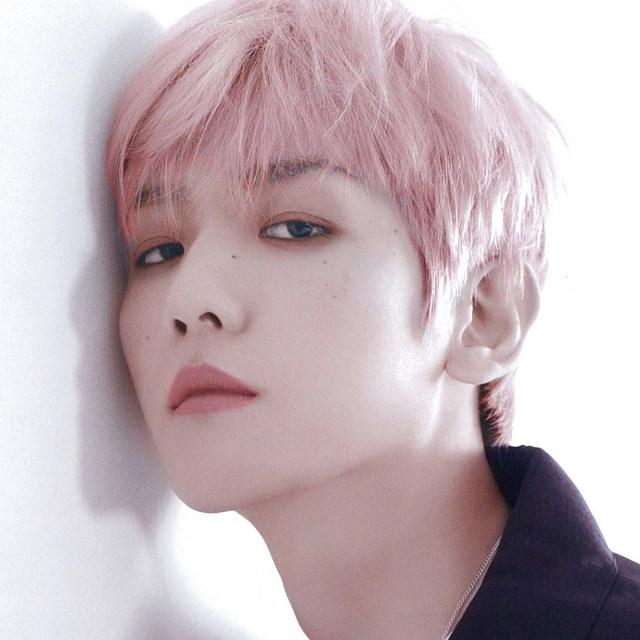 دانلود آهنگ یانگ Young از بکهیون Baekhyun (عضو اکسو) و Loco با متن